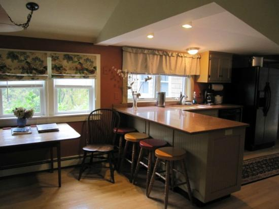 Chatham Guest Rooms: kitchen area