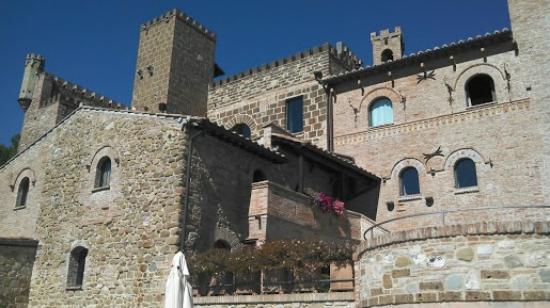 Castello di Monterone: So Beautiful