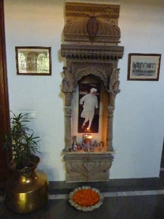 บาร์วารา โคธี: Home shrine