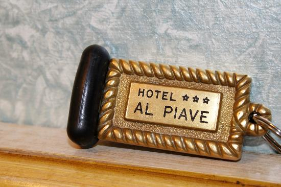 Hotel Al Piave: The room keys are very heavy, you leave them at the front whenever you leave