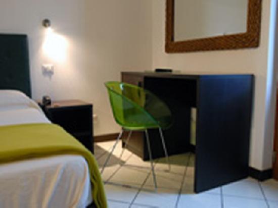 La Zagara Hotel: particolare camera