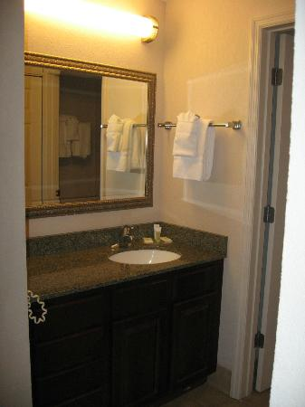 Staybridge Suites Wilmington - Brandywine Valley: Bathroom sink
