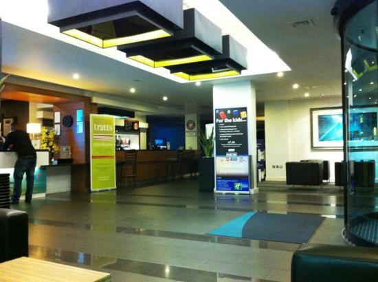 Holiday Inn Express London - Heathrow T5: H7