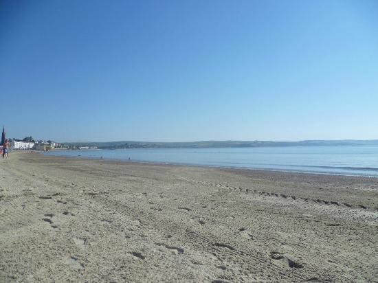 West Fleet Holiday Farm Campsite: Weymouth beach is a 10min drive away
