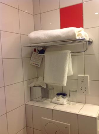 Park Inn by Radisson Thurrock: bathroom