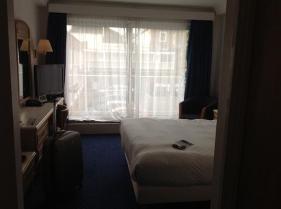 Park Inn by Radisson Thurrock: veiw from room 236 with balcony