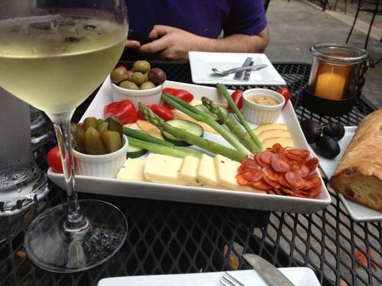 The Stone House: Delicious cheese plate