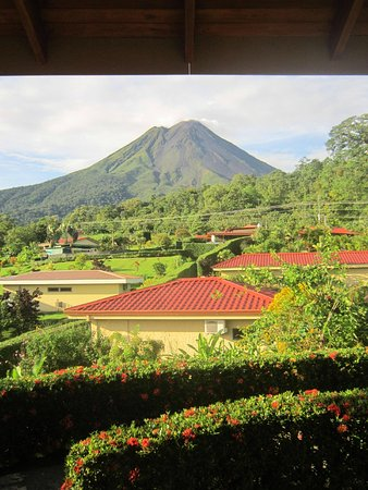 Arenal Volcano Inn: View of Arenal Volcano from the room