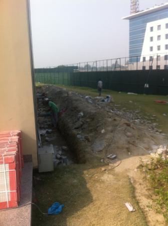 Formule1 Greater Noida Hotel: beside the hotel
