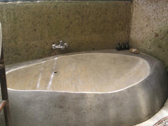 วิลลาอาวังอาวัง: Bath