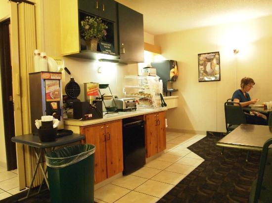 Beartooth Inn of Cody : Beartooth Inn Continental Breakfast