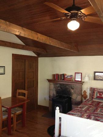 Colorado Chautauqua Lodging: Sleeping/dining area