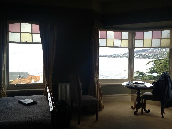 Grand Vue Private Hotel: lovely windows letting in lots of light and great views