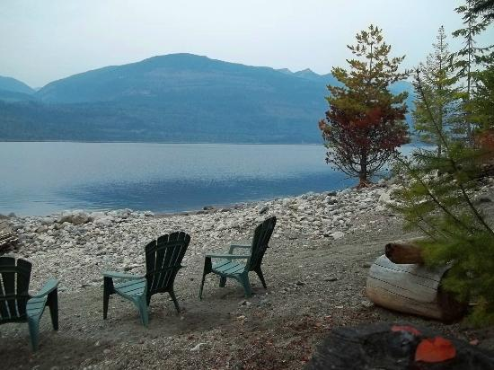 Water's Edge Bed and Breakfast: Nice morning coffee view of Kooteney lake