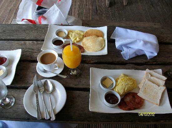 Gota Village Resort: Breakfast.