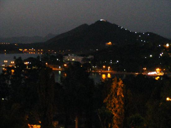 Hotel Hilltop Palace: View from room