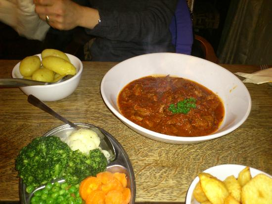 The Bear Inn: Slow cooked lamb in red wine, tomato and rosemary sauce