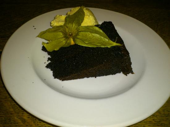 The Bear Inn: Chocolate fudge cake