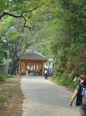 Li River Resort: Walk to the Yangshuo city from Retreat