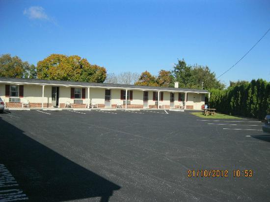 Rodeway Inn Akron: tipico motel