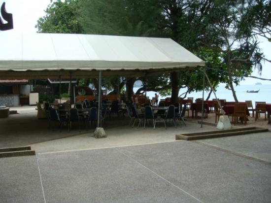 Krabi Resort: outdoor restaurant