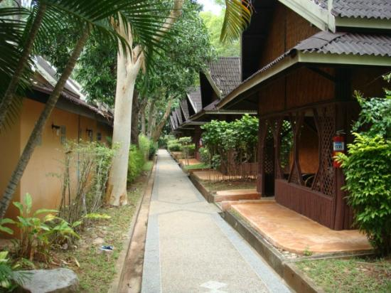 Krabi Resort: some of the individual bungalows have an outlook onto the bathroom block of opposite bungalow