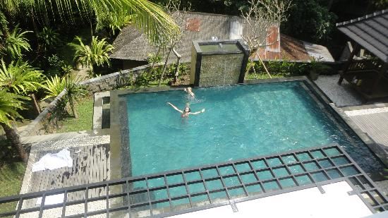 Igna Bungalows: View of pool from upper level room