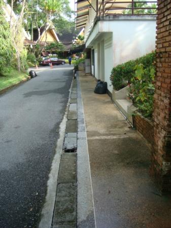 Krabi Resort: typical bodge job around the resort