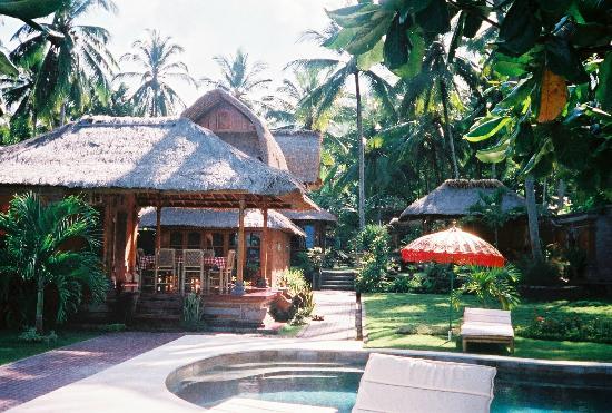 Villa Gading: View from pool to villas