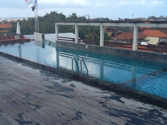 The ONE Legian: Swimming Pool