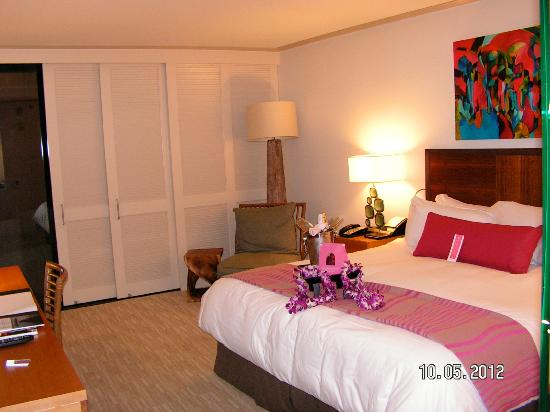 The Royal Hawaiian, a Luxury Collection Resort: Guest Room - King Bed in Tower