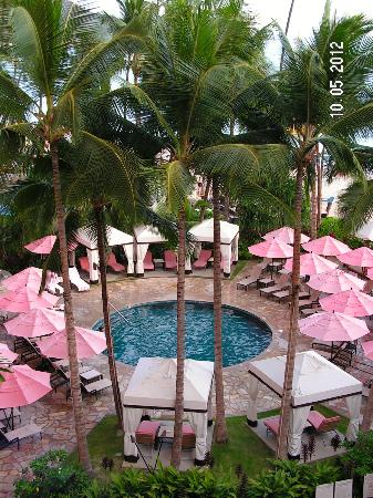 The Royal Hawaiian, a Luxury Collection Resort: Pool View from Room