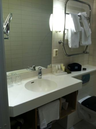 Clarion Collection Hotel Planetstaden: sink