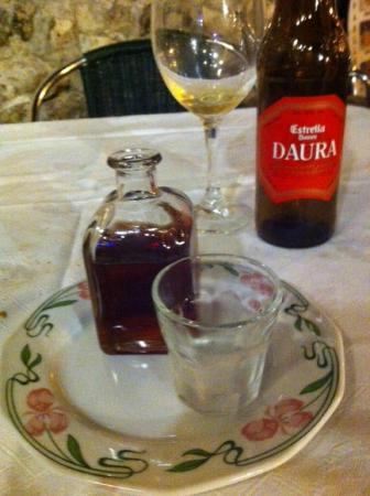 El Arrozal: After dinner drink Juan Carlos brought me-Pachará.A fermented drink made of the Strawberry trees