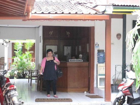 Hotel Indrakila : Front Desk