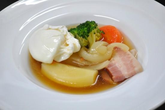 Auberge Meson: 朝食のポトフ(一例)