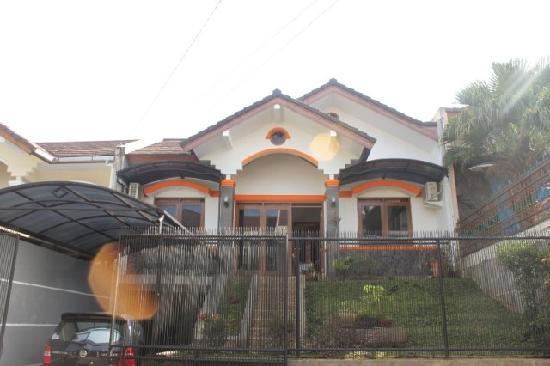 Simply Homy Pondok Hijau Guest House
