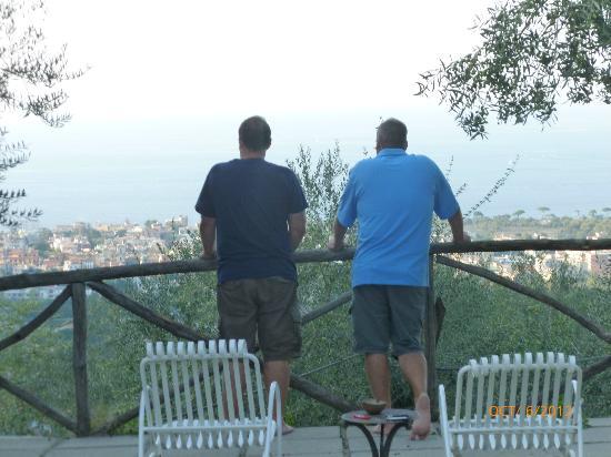 Casa Mazzola B&B: Overlooking Mt. Vesuvius