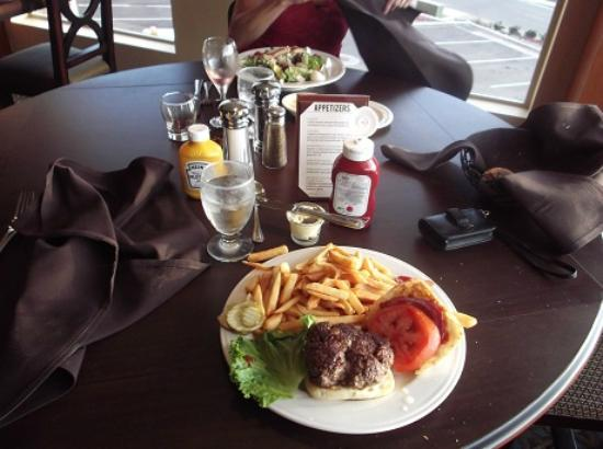 Bear River Casino Hotel: FRESH Hamburger and Cobb salad & wine $30 total