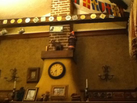 Sundyk Pub: chimney!