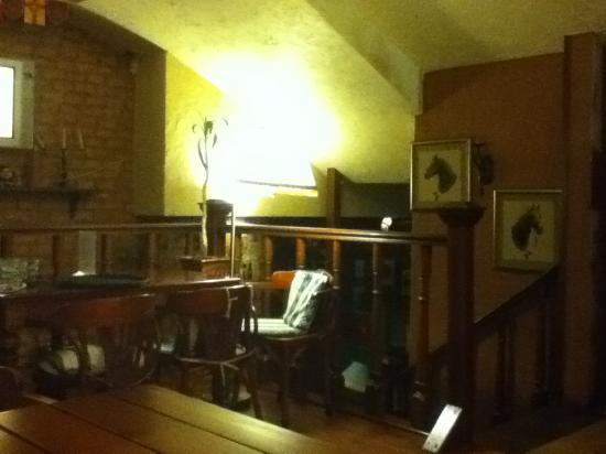 Sundyk Pub: non-smoking floor