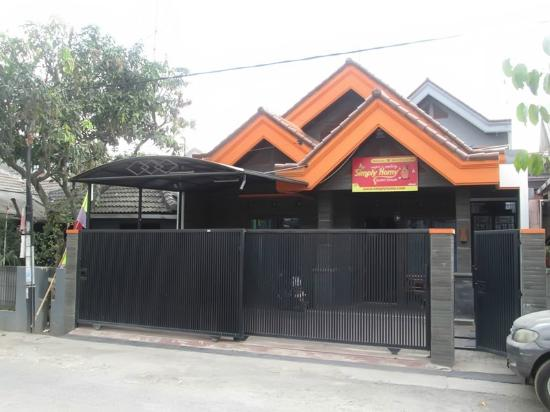 Simply Homy Antapani Guest House