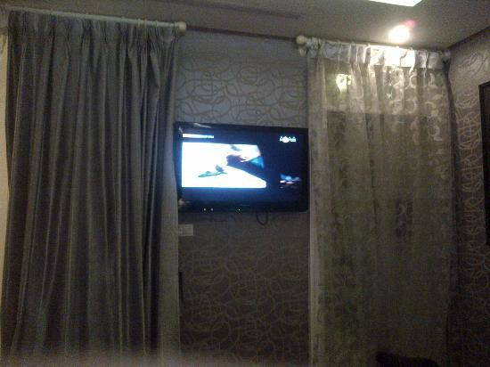 Church Boutique Hotel Hang Ca: 32inch LCD TV