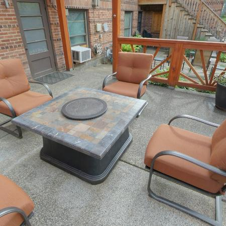 Inn of the White Salmon: Gas fire pit