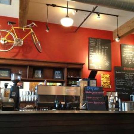 Inn of the White Salmon: 10 Speed Cafe local coffee house