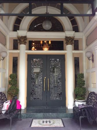 Hotel Majestic: Entrance to the hotel