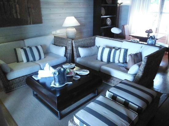 Sanctuary Cap Cana by AlSol: Living room Monarch Villa #1008