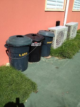 Parador Villas del Mar Hau: Reciclan!!!!