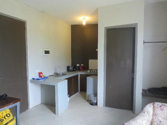 Gate 8: Kitchen