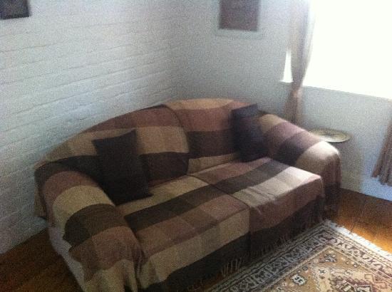 Celtic Bushman B&B: Vor die Couch stellten Robin & ich noch ein Bett